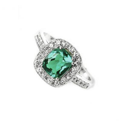 Sortija oro 18 Ktes con esmeralda y diamantes Jose Luis Joyero Malaga