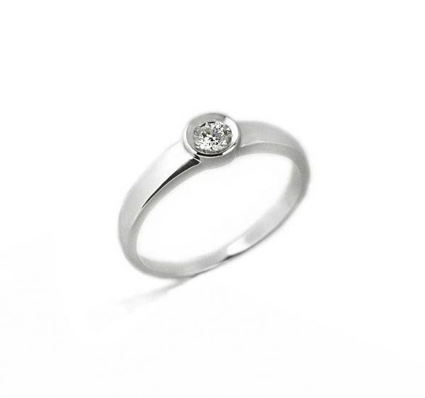 Anillo oro blanco y diamante Joyeria Jose Luis Joyero Malaga